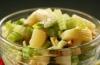 Диетические рецепты из сельдерея: салат с ананасом