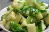 Салат из авокадо с огурцом для тех, кто на диете