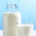 Обезжиренное молоко: калорийность, польза и вред продукта