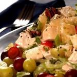 Теперь вы знаете вкусный рецепт салата с виноградом и сельдереем для похудения!