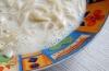 Как приготовить низкокалорийный ужин: калорийность молочного супа с вермишелью