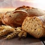 Узнайте калорийность пшеничного хлеба и его влияние на фигуру!