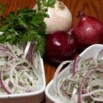 Диетические салаты с луком: рецепты на каждый день!