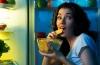 Как отучиться есть на ночь: действенный метод