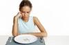 Приемы, которые помогут не съесть лишнее