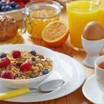 Сытный завтрак повысит эффективность диеты