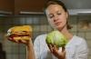 Почему говорить кому-то «есть здоровую пищу», «больше двигаться» не дает результатов?