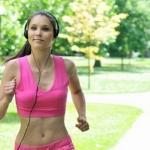 Быстрая музыка улучшает производительность во время тренировки