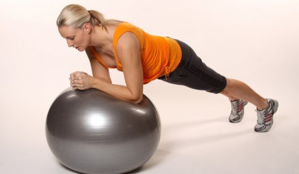 как заниматься на мяче чтобы похудеть